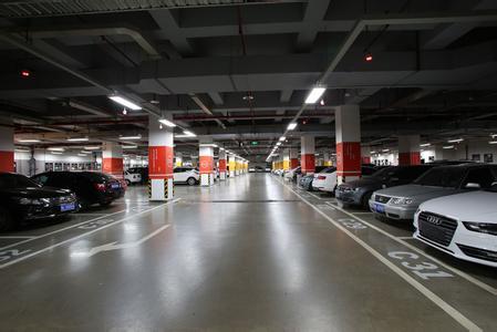 上海陪驾公司关于地下停车场操作详解
